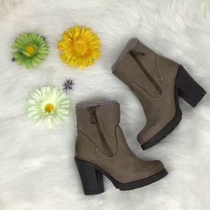 Steve Madden Sweater Leather High Heels Boots 🛍